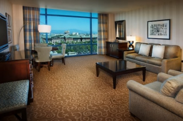 Disneyland hotel at the disneyland resort in california for 2 bedroom hotels near disneyland